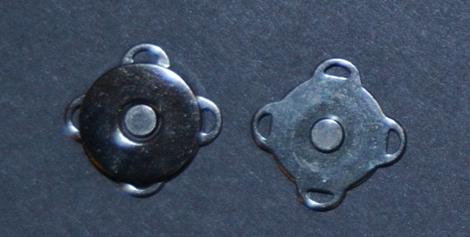 182.3 Magnet til lukning black silver 10 stk. pr. pose